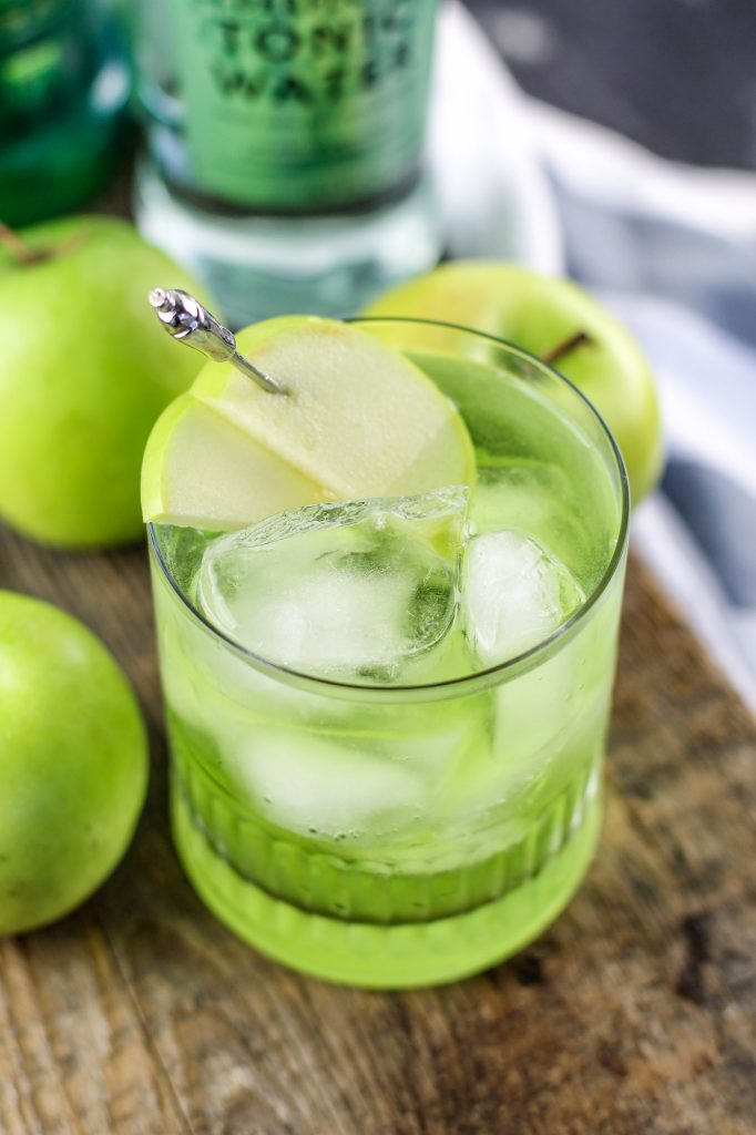Irish sour apple cocktail recipe park ranger john for Green apple mixed drinks