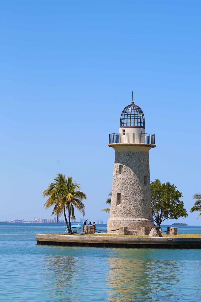 Bucket list adventure and things to do in Biscayne National Park Florida USA near Miami. Activities include snorkeling, camping, fishing, canoeing/kayaking, lighthouses, visiting islands/keys, boat tours and visiting the park's visitor center.
