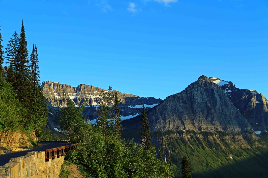 Glacier National Park, Montana travel tips w/photos. Includes park facts, camping and valuable park information like weather or not you can bring a dog/pet with you.