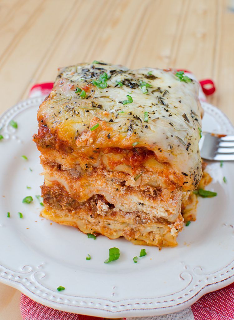 Easy slow cooker crock pot lasagna recipe the entire family will love!