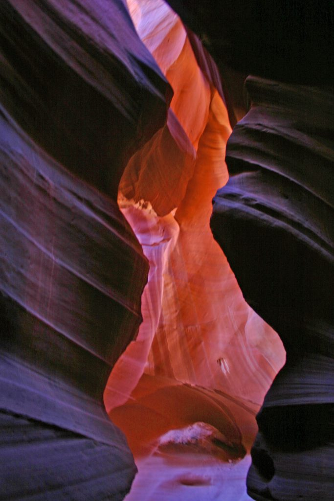 Exploring Upper Antelope Canyon in Arizona! Get the inside scoop on tours, history and photography advice with stunning pictures #antelopecanyon #upper #photography #arizona
