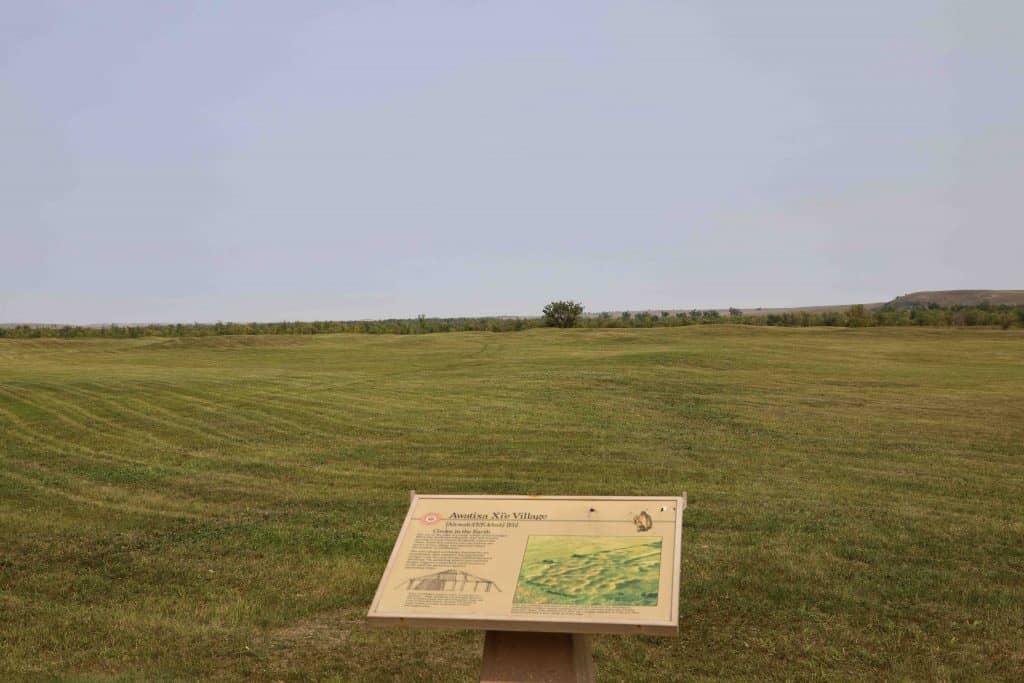 Awatixa Xi'e Village (Lower Hidatsa Site) and Awatixa Village (Sakakawea Site)