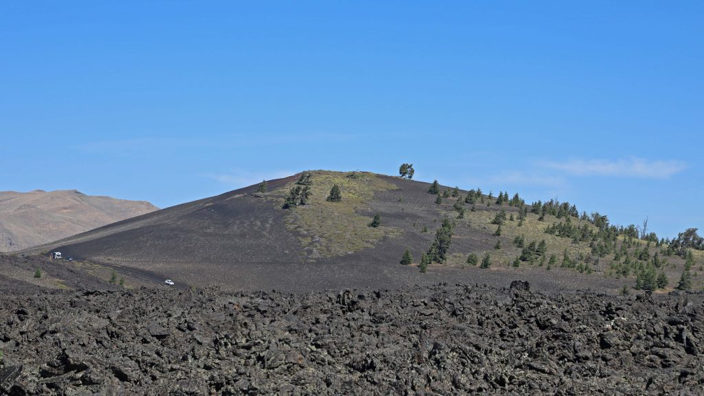 Check out things to do at Craters of the moon like camping, hiking and seeing fascinating geology from lava, spatter cones and the Great Rift #CratersoftheMoon #Idaho #nationalpark #lava #preserves