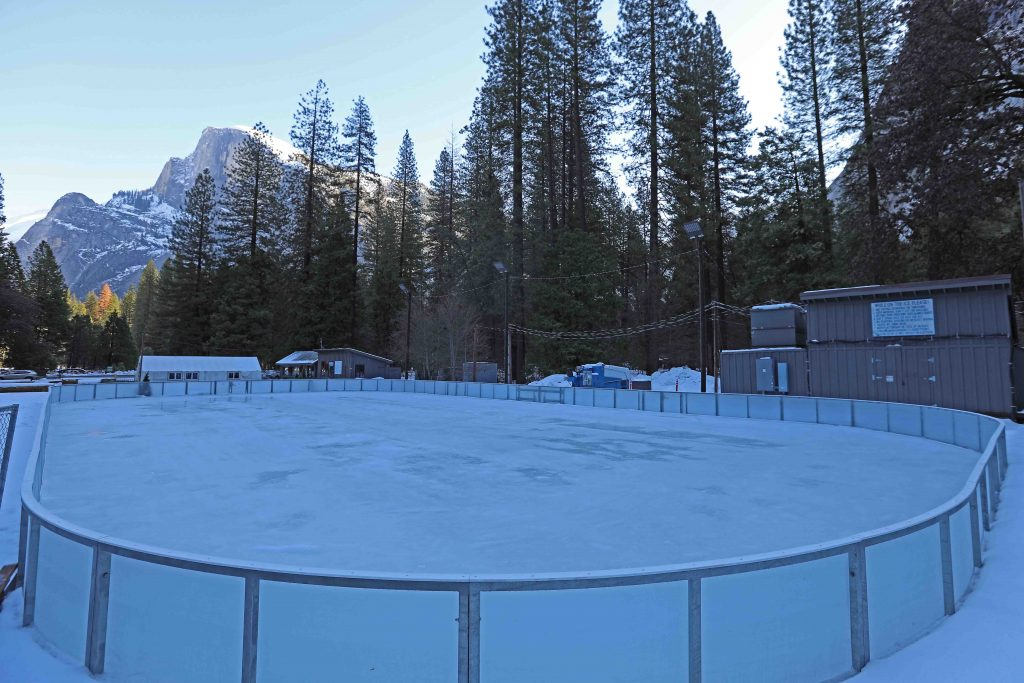 Things to do at Yosemite National Park in the winter including skiing, snowshoeing and much more! #Yosemite #nationalpark #winter #thingstodoin